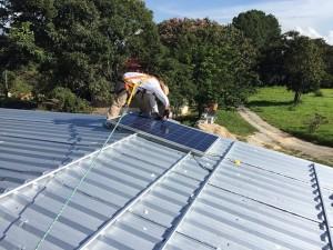 instalace solárního panelu svépomocí