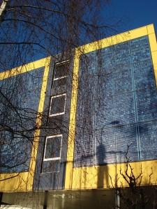 solární panely na budově